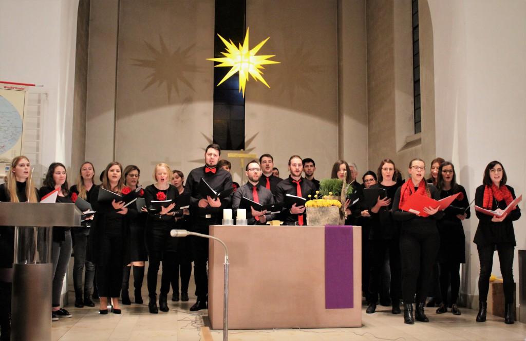 Mittendrin beim Weihnachtskonzert der Nachwuchschöre am 22. Dezember 2019.  (Foto: Tanja Heier)